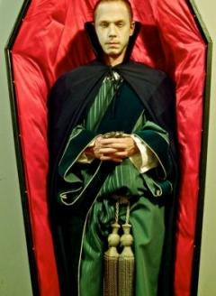 Vampire in Coffin - Imgur