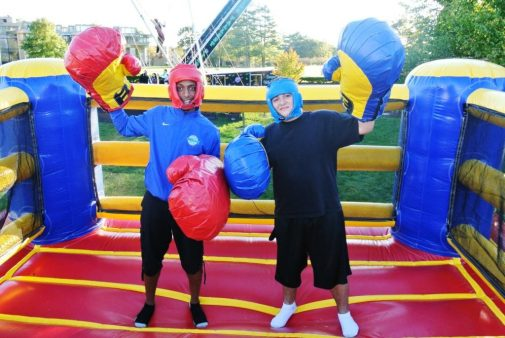 boston_party_entertainment_inflatables_big_glove_boxing_2