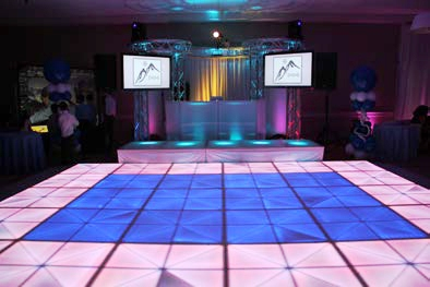 Virtual Reality & High Tech - boston_party_entertainment_virtual_reality_tech_light_up_dance_floor3