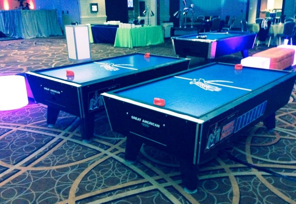 Air hockey urban circus events for Pool game show