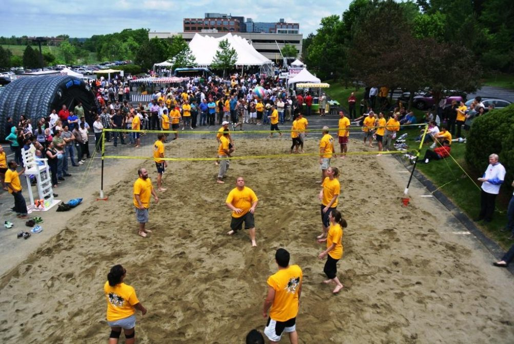 boston_party_entertainment_carnival_picnic_games_beach_volleball1