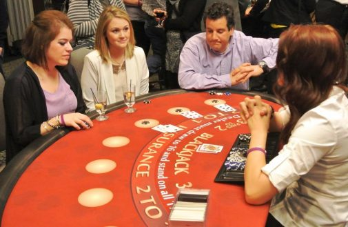 boston_party_entertainment_casino_black_jack_with_dealer3