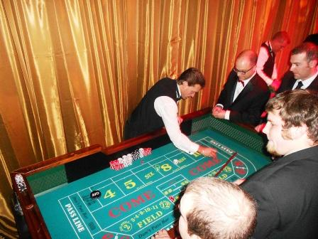 boston_party_entertainment_casino_craps_with_dealer1