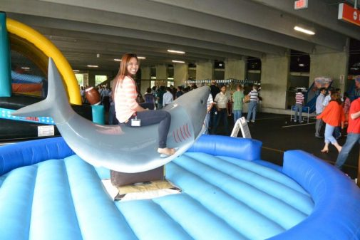 boston_party_entertainment_inflatables_Mechanical Shark_2