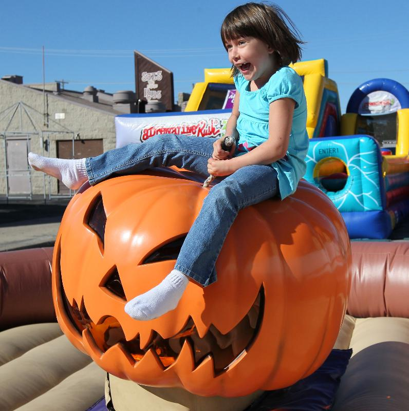 boston_party_entertainment_inflatables_mechanical_pumpkin_1