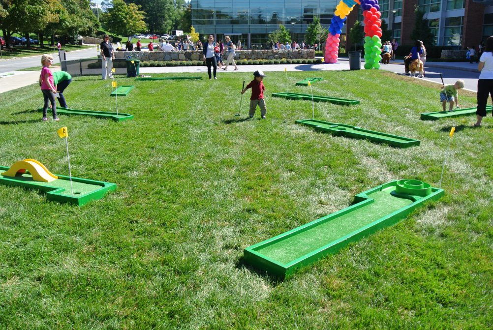 boston_party_entertainment_carnival_picnic_games_9_hole_mini_golf1