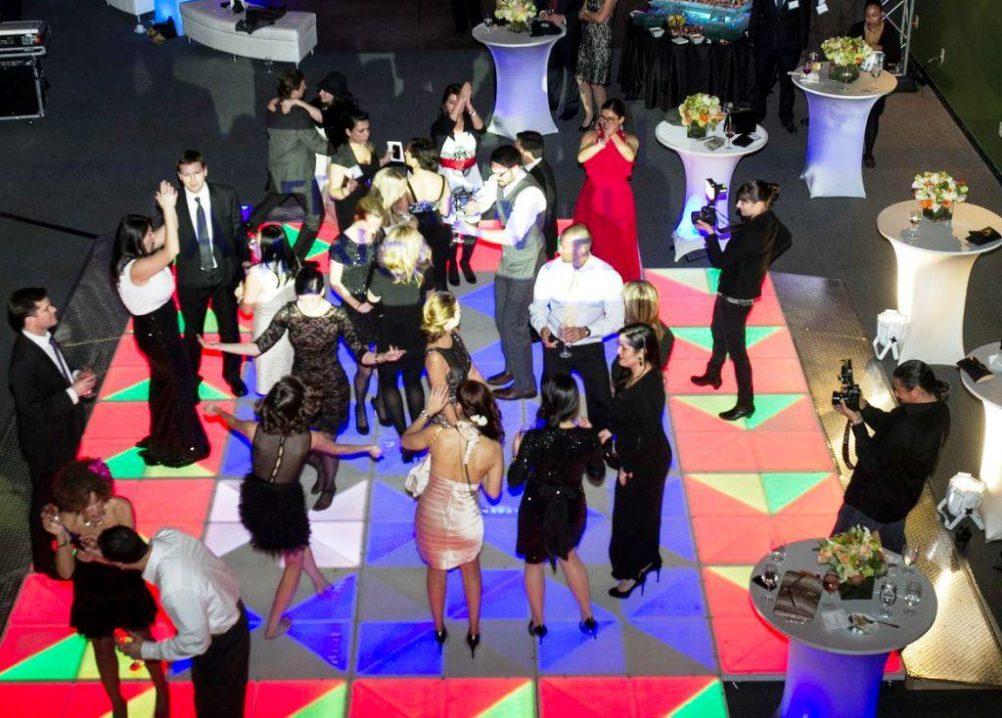 Virtual Reality & High Tech - boston_party_entertainment_virtual_reality_tech_light_up_dance_floor1