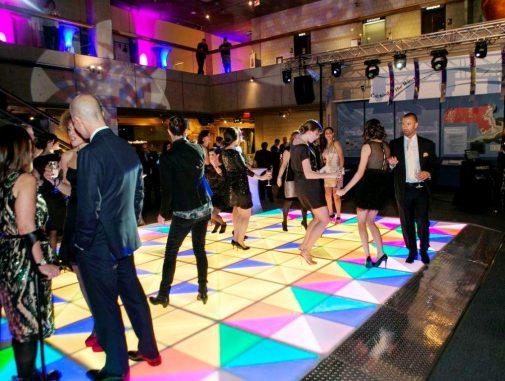 Virtual Reality & High Tech - boston_party_entertainment_virtual_reality_tech_light_up_dance_floor2