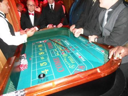 boston_party_entertainment_casino_craps_with_dealer2